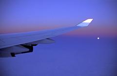 foto19834 (Archigraphie Steffen Vogt) Tags: moon night mond flying nacht aeroplane flugzeug fliegen flgel