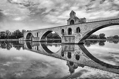 FRANA - Avignon - Pont Saint-Bnzet (Infinita Highway!) Tags: trip travel bridge white black france europa europe ponte pont provence avignon saintbnzet infinitahighway