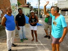 Moradores debatendo solucoes (CatComm | ComCat | RioOnWatch) Tags: brazil water gua brasil riodejaneiro sewage favela picapau esgoto cordovil