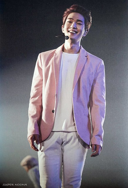 160421 SHINee @ Photobook SHINee World Concert IV 26554589212_9aca8135bd_z