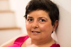 Eva (Johan Gustavsson) Tags: portrait woman smile happy eva warmth indoor glad softbox portrtt leende vrme kvinna 60x60cm profotob1
