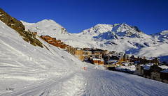 Sunset ride to the village (A. Wee) Tags: sunset ski france alps village traverse skiresort valthorens   troisvalles   les3valles