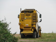 L885 APD (Nivek.Old.Gold) Tags: combine 1994 narrow harvester sampo rosenlew