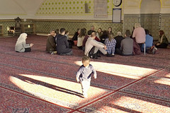 130216_105   Islamic Centre Vienna (the_apex_archive) Tags: vienna wien religious austria muslim islam religion mosque apex conservative muslims islamic besucher iz moslem floridsdorf moschee moslems islamiccentre gläubige religiös muslimas muslime muslimisch islamisch konservativ tagderoffenenmoschee izw 130216 islamischeszentrum besucherinnen muslimischergebetsraum musliminnen gebetsräume ambruckhaufen islamischeszentrumwien viennaislamiccentre 1322016 religiousmatters tagderoffenenmoscheen ambruckhaufen3 grosemoscheeinwien dasislamischezentruminwien dasislamischezentrumwien