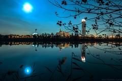 Sevilla (abel.maestro) Tags: rio noche sevilla andalucia luna reflejo maestro abel