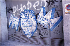 2015 (uno900) Tags: madrid street sea art graffiti arte heart para no que 64 ruina ke urbano te falta corazon legal hace graffitis guste graffitimadrid streetartmadrid arteurbanomadrid