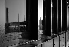 Nach dem Regen (Andreas Meese) Tags: windows sun rain skyline clouds sunrise nikon harbour crane outdoor fenster hamburg wolken cranes raindrops hafen landungsbrcken sonne sonnenaufgang kran regen elbe wassertropfen elbphilharmonie kne d5100