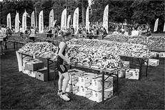 Slottsskogen (P-O Alfredsson) Tags: sports sport fruit göteborg sweden schweden gothenburg running bananas sverige frukt banan slottsskogen idrott lopp motionslopp