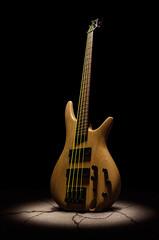 Beat impact (Bilderbastler) Tags: music bass guitar band impact instrument musik musikinstrument einschlag bassgitarre