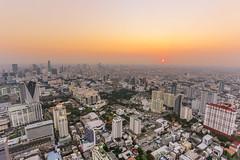 Bangkok Skyline (Sergej Omeltschenko) Tags: travel bar canon thailand reisen asia bangkok nightshoot watarun 6d skybar bestshot statetower sirocco bestphoto travelnerd travelphotographie travelthailand baiyoketower traveladdict reisefieber