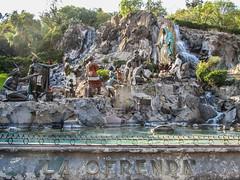 """Mexico City: les indigènes faisant des offrandes à Notre-Dame de Guadalupe <a style=""""margin-left:10px; font-size:0.8em;"""" href=""""http://www.flickr.com/photos/127723101@N04/25307810132/"""" target=""""_blank"""">@flickr</a>"""