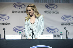Caity Lotz (Gage Skidmore) Tags: california los angeles brandon center renee franz convention marc ciara legends guggenheim tomorrow caity routh wondercon 2016 lotz drameh