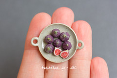 Miniature Figs (PetitPlat - Stephanie Kilgast) Tags: sculpture art fruits fruit miniatures miniature handmade vegetable polymerclay fimo veggie foodart dollhouse realism miniaturefood oneinchscale 1to12