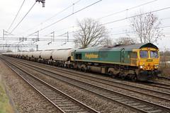 Freightliner 66618 @ Chorlton (uksean13) Tags: canon diesel loco crewe locomotive freight freightliner class66 ef28135mmf3556isusm 66618 chorltonlane 760d
