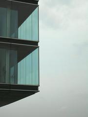 Hovering - Schwebend (eckbert.sachse) Tags: architecture germany deutschland spring hamburg april architektur fassade 2010 frhling hansestadt velgnne fascade 2016 oevelgnne hansatown
