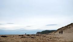 Epars (Atreides59) Tags: wissant mer sea plage beach ciel sky nuages clouds pentax k30 k 30 pentaxart atreides atreides59 cedriclafrance water eau people