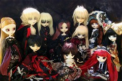 Ghostly people (Lunalila1) Tags: doll princess nirvana nosferatu group dal prince lord velvet pale queen liam missionary aurora pirate midnight demon claudia tina groove meredith pullip chill elisabeth mir vivien lyla ende steampunk vampir wilhelmina delirio deimos morgana llegadas enok taeyang junplaning katniss