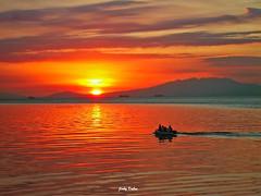 day's about to end... (Jinky Dabon) Tags: sunset manilabay sunsetting smmallofasia kodakeasysharem530digitalcamera
