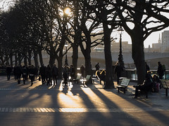 late afternoon stroll (Cosimo Matteini) Tags: street people london pen afternoon olympus southbank m43 mft ep5 lateafternoonstroll cosimomatteini mzuiko45mmf18