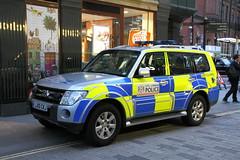 LX10CKJ Mitsubishi Shogun of the City of London Police (Ian Press Photography) Tags: city london cars car 4x4 police service emergency shogun mitsubishi services 999 colp lx10ckj