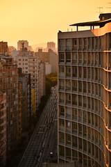 outono, poluio e fim de tarde (Vitor Nisida) Tags: cidade arquitetura architecture sopaulo centro sampa sp urbana elevado minhoco racy elevadocostaesilva archshot parqueminhoco