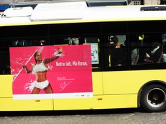 Milk (streamer020nl) Tags: bus milk belgium belgique reclame belgi advertisement lait luik melk milch lige belgien 2016 heptathlon thiam zevenkamp 200416 speerwerpen nafissatou flait