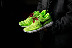"Roshe One Flyknit ""Grinch"" (Niwreig) Tags: christmas motion fashion shoe shoes natural florida sony style running run sneakers nike grinch sneaker runners 24mm comfort runner niketalk nex sneakerhead solecollector roshe sonynex nex6 flyknit rosherun"