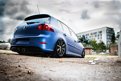 VW Golf R32 Matte blue metallic (Sean at Monsterwraps Ltd) Tags: wrapping wrapped wrap hampshire customized modified custom southampton carshow stance fitted showcars matteblue monsterwraps