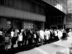 Shashin - DSCN3065 (Mathieu Perron) Tags: life city bridge people bw white black monochrome japan nikon waiting noir perron daily nb journey queue   osaka mp blanc japon personne ville gens vie mathieu   sjour   quotidienne      p520   zheld