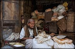 IND. Rajasthan... (il venditore di...) (celestino2011) Tags: travel india uomo hdr rajasthan venditore sacchi cereali