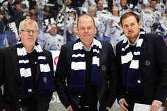 Tranarna, Leksands IF 2015-12-29 (Michael Erhardsson) Tags: sport coach erik dag per perra leda jonsson lif 2015 pererik coacha leksand ishockey ledare kavaj trnare coachning ledarskap leksandsif hockeyallsvenskan tegeraarena huvudtrnare representera ledaregenskaper trnaren klubbtrnare halsdukens