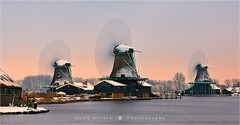Winter at the Zaanse Schans - Netherlands (~ Floydian ~ ) Tags: henkmeijer photography floydian holland netherlands zaanseschans zaandijk windmill windmills mill mills ice winter snow sunset longexposure le spinning canon landscape canoneos1dsmarkiii brilliant