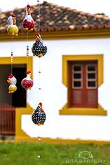 Artesanato (Rita Barreto) Tags: minasgerais brasil arte compras prados bichinho sudeste trabalhosmanuais comércio artesananto móbilidegalinhas