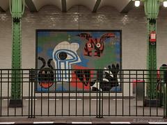 Kunst ber und unter der Erde  - Deutsche Oper (Sockenhummel) Tags: station fuji ubahnhof tube bahnhof finepix fujifilm x20 bahnsteig deutscheoper tunnelfhrung fujix20 ubhfdeutscheoper