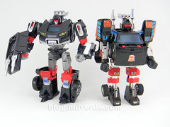 Transformers Trailbreaker Deluxe - Generations Takara - modo robot vs G1 (mdverde) Tags: deluxe transformers g1 generations takara autobots trailbreaker trailcutter