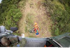 Içamento de ferido (Força Aérea Brasileira - Página Oficial) Tags: fab sar resgate treinamento carranca salvamento forcaaereabrasileira brazilianairforce buscaesalvamento fotojohnsonbarros resgateiro carrancav operacaocarranca