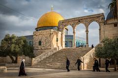 isr2_33 (L'esc Photography) Tags: israel jerusalem domeoftherock dome gilded templemount qanatir harameshsharif oldcityofjerusalem  harhabyit mawazin  mountofthehouse domeoftherockcourtyard
