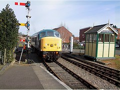 45133 at Dereham level crossing, MNR Mid-Norfolk Railway Diesel Gala 01.04.16 (Trevor Bruford) Tags: blue heritage crossing br diesel centre 4 peak railway class 451 level type 40 society gala midland preservation mrc sulzer mnr dereham butterley d40 midnorfolk 45133