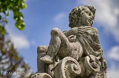 Baby forever (Rom4rio Photography) Tags: sky sculpture color art nature statue clouds nikon nuvole arte natura cielo statua nori allaperto d3100 nikond3100