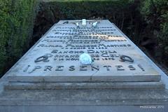Cementerio de San Fernando (Landahlauts) Tags: sevilla seville andalucia andalusia andalusien sville andalousie fascismo andalusie siviglia  andaluzia cementeriodesanfernando andaluzja sewilla andaluzio    endls      endulus falangeespaoladelasjons        andalouzia andalusiya   ishbiliya fujifilmxpro1 fujifilmfujinonxf35mmf14r cementeriodesevilla  nf endls andalusi capitaldeandalucia