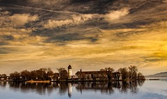 Lake Chiemsee, Nunnery (Alta Alteo) Tags: sky cloud lake island cloudy wolken insel monastery chiemsee kloster nunnery frauenchiemsee fraueninsel diamondclassphotographer flickrdiamond