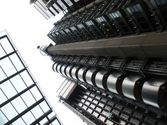 Lloyd's (Sarah A Stewart) Tags: city london architecture geometry structure form lloydsoflondon