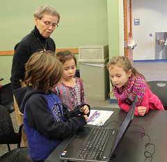 Georgetown STEM Adventures January 26, 2016 - Magnify! (ACPL) Tags: stem georgetown geo magnify fortwaynein acpl allencountypubliclibrary stemadventures