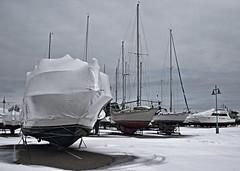OFF SEAS ON (cdn.slacker) Tags: winter snow composition canon offshore 28mm fineart lakeontario 400iso portdalhousie ruleofthirds 7dmark2 7dmarkll