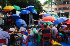 Das de Playa (Teatro Pablo Tobn) Tags: teatro lluvia pinocho sombrillas