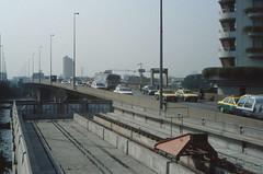 Thailand - Bangkok - Saphan Taksin (railasia) Tags: 2001 thailand bangkok infra bts endoftheline saphantaksin silomline elevatedstructure metrosubwayunderground routenº2 bufferblock