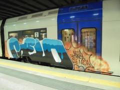 nella provincia che ingoia (en-ri) Tags: gelo train writing torino graffiti blu crew azzurro bianco arancione gh1 guht