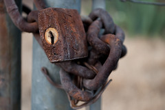 Chains And Things (Jos Luis Borbolla) Tags: old brown chains close lock rusty things cosas cerrado viejo locked oxide candado