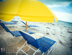Fort Myers Beach (littlesarahphotography) Tags: ocean summer beach florida parasol fortmyers sunbeds