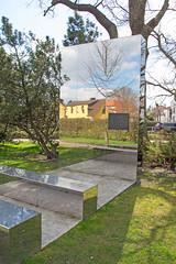 """Zingst - Denkmal """"Den Opfern von Krieg und Gewaltherrschaft"""" (www.nbfotos.de) Tags: monument darss denkmal zingst opfervonkriegundgewaltherrschaft"""